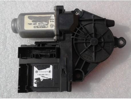 motorek stahování oken pravý přední Octavia 2 1K0959792J