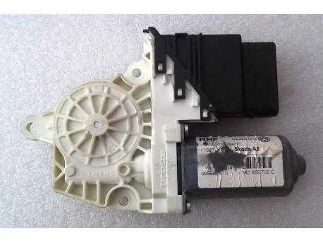 motorek stahování oken levý zadní Octavia 2 1K0959703E