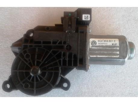 motorek stahování oken levý přední Fabia 2 6Q2959801 E